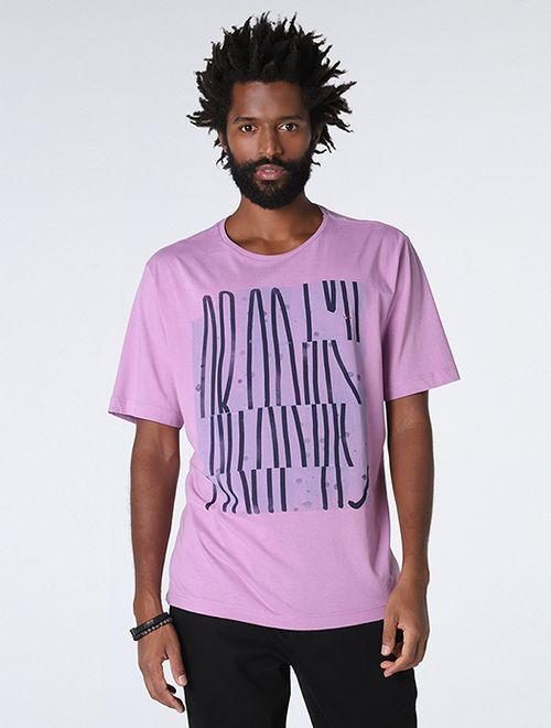 Camiseta Tipografia Linhas Fucsia