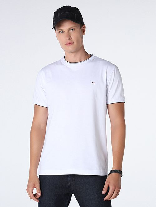 Camiseta Lisa Com Jacquard Branco Com Marinho