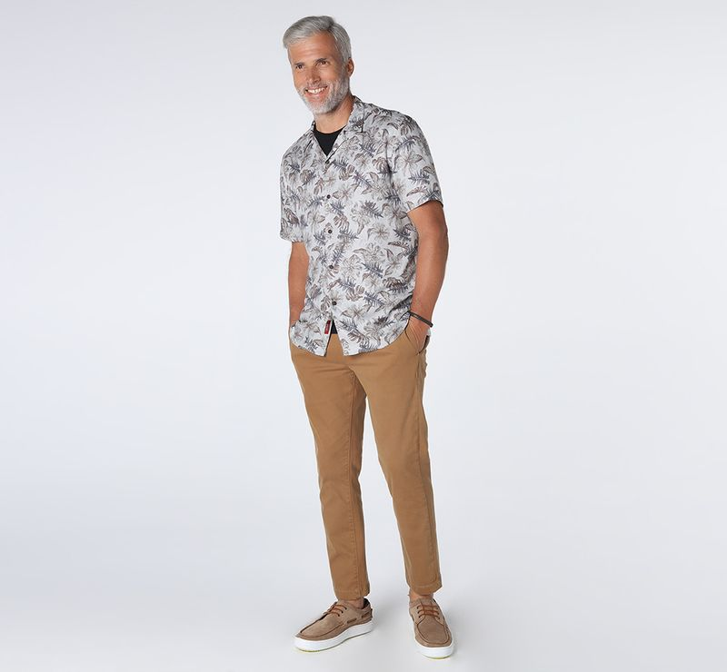 MC280251_005-035_7-105-DESK-CAMISA-SLIM-RESORT-CINZA-MARROM