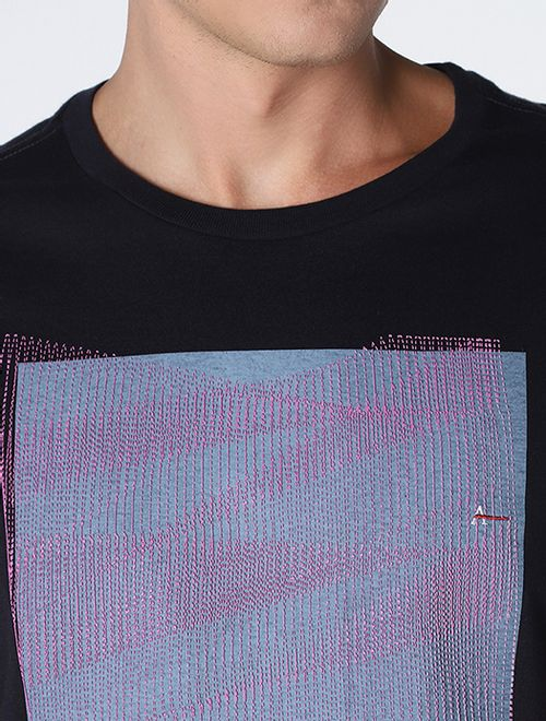 Camiseta Pontilhado Zig-Zag Relevo Marinho