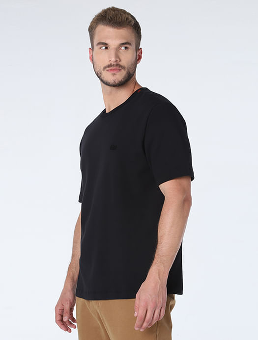 CS011701_007_1-105-MOBILE-CAMISETA-NEW-FIT-MINIMALISTA-NIGHT-PRETO