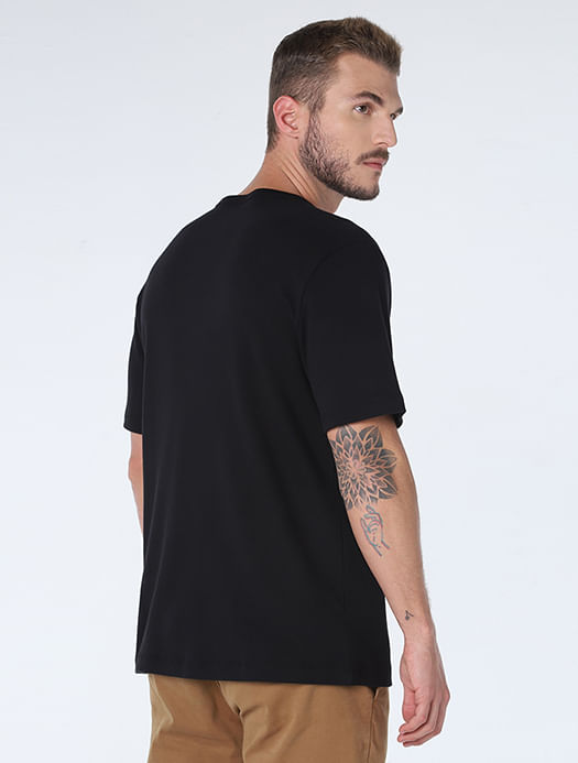 CS011701_007_4-105-MOBILE-CAMISETA-NEW-FIT-MINIMALISTA-NIGHT-PRETO