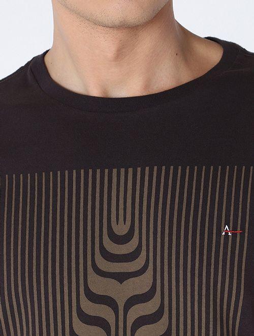 Camiseta Letra Em Curvas