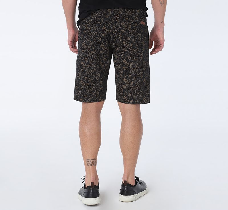 BE070818_007-021_8-105-DESKTOP-BERMUDA-CHINO-MINI-FLORAL-PRETO-C--CAQUI