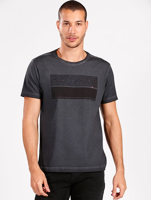 Camiseta Estonada Estampa Geométrica Marinho