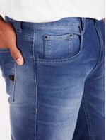 CJ070027_126_4-ULTRAZOOM-107-CALCA-JEANS-REGULAR-ECO-USED-PA